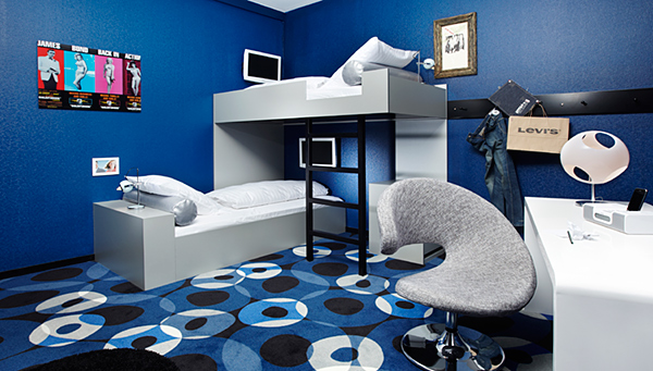 Cool color hotels cameron frye s blog for Blau hotels oficinas centrales