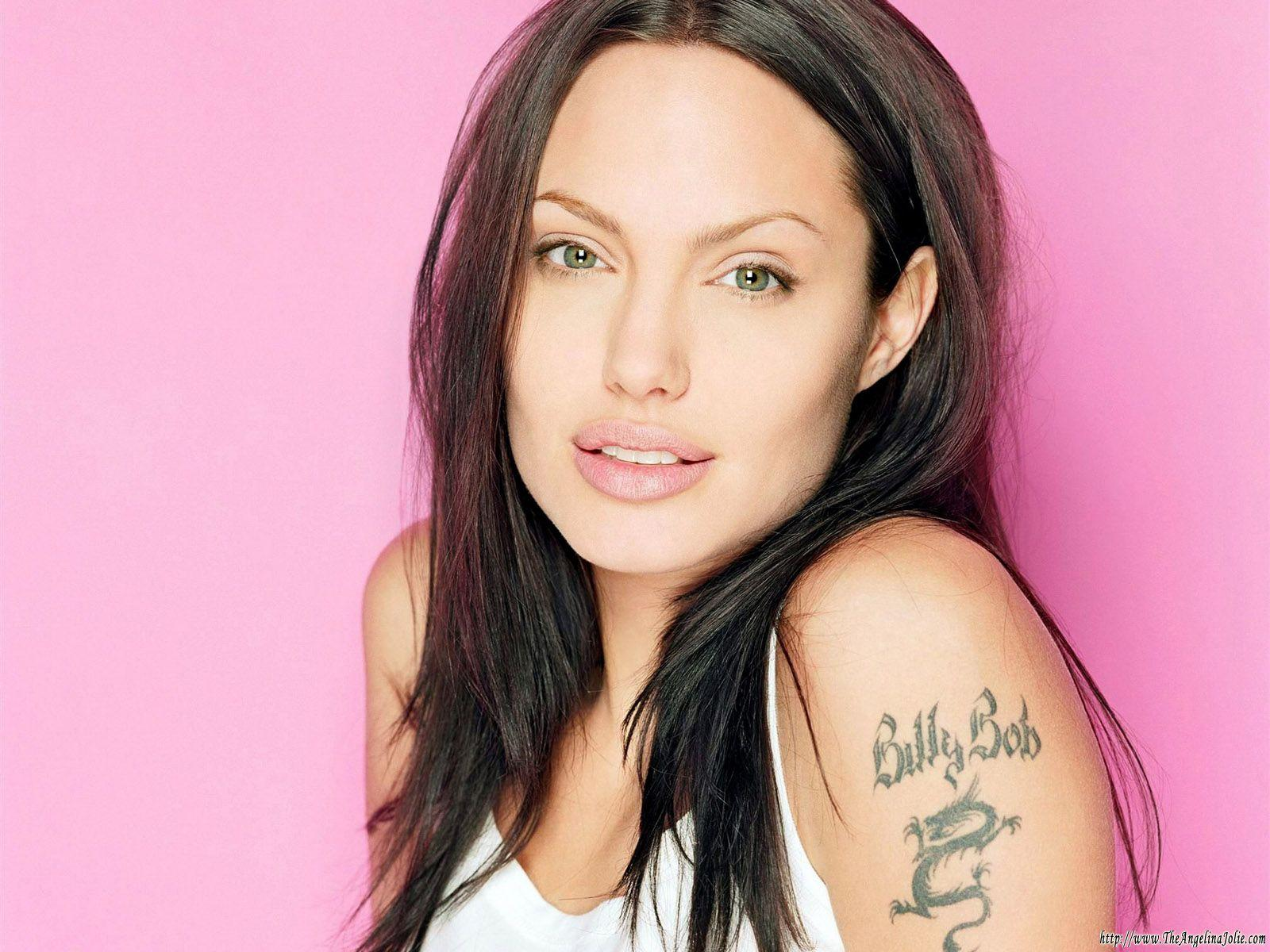 Angelina_Jolie__tattoo_dragon_design