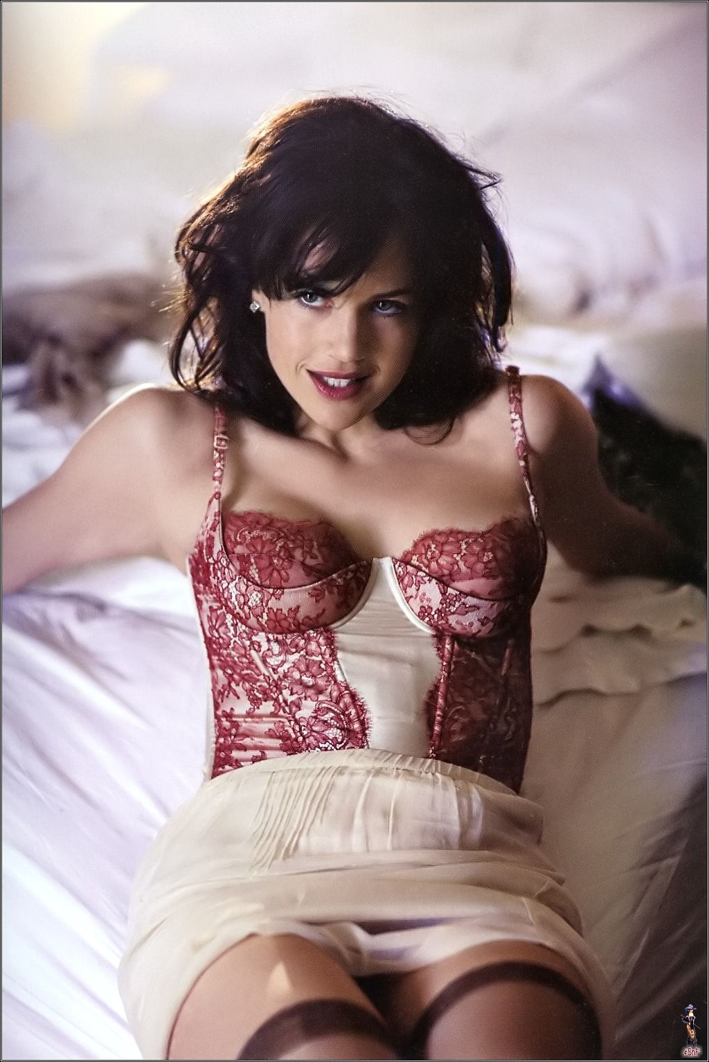 Carla gugino cameron frye s blog for Hot images blog